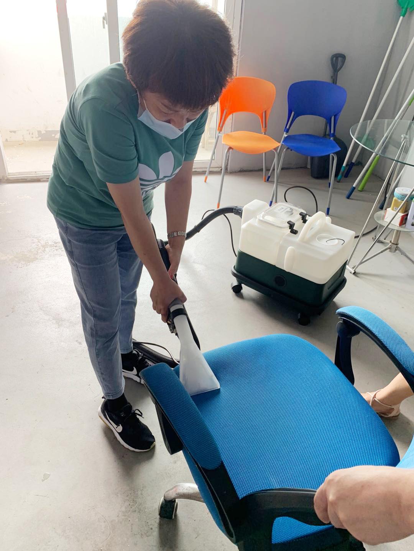 家洁艺软装清洗合作会员技术培训中